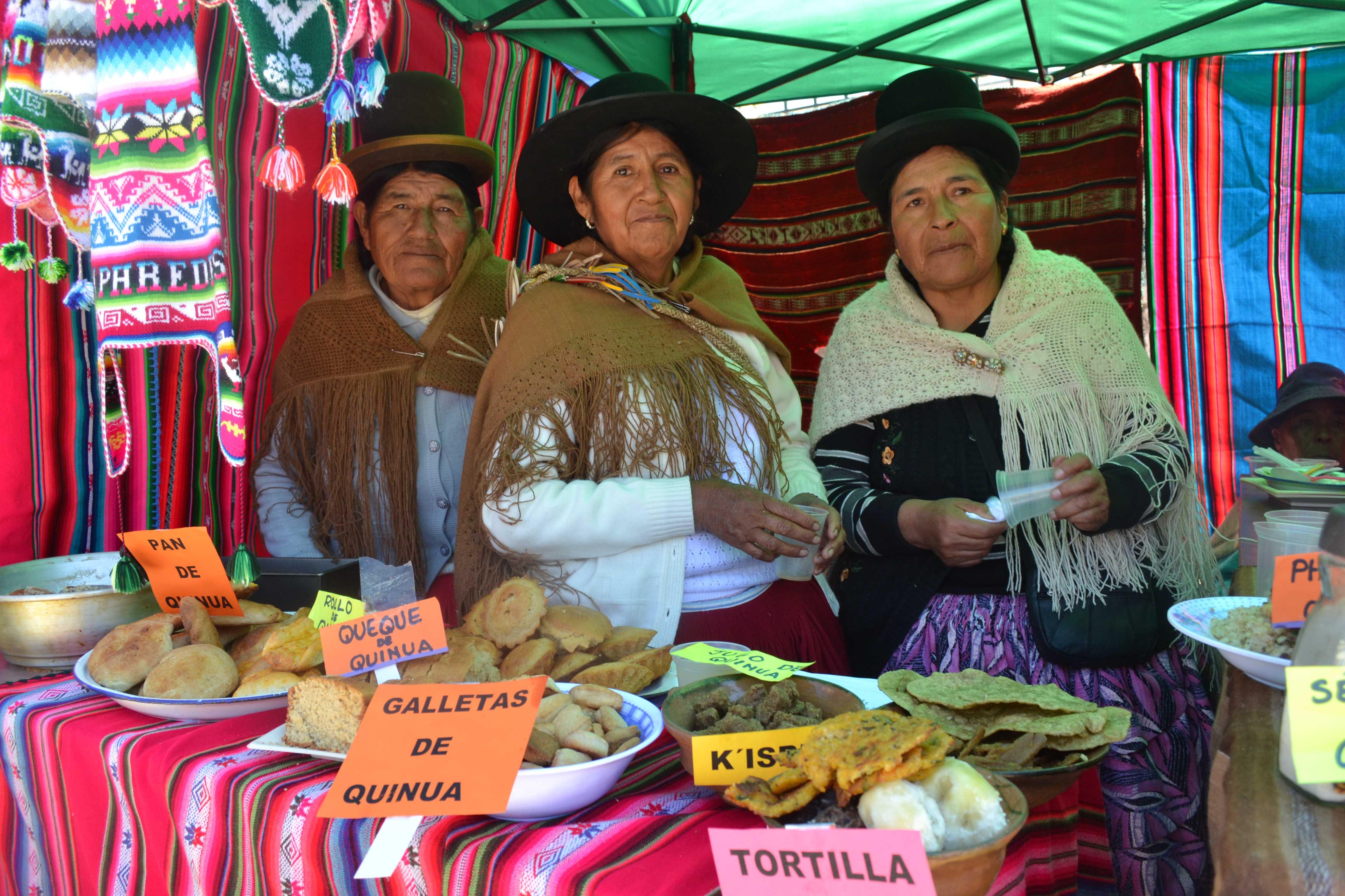 Feria Productiva Turística biocultural en Santiago de Huata