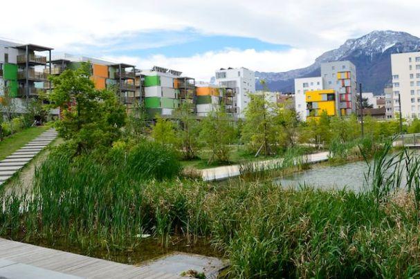 Ecoquartier Caserne Bonne, Grenoble (source : blog.ecohabiter-via.fr)