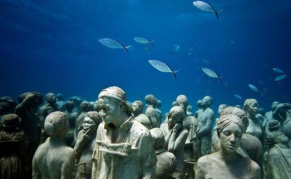 biodiversity photo underwater sculpture lanzarote spain decaires