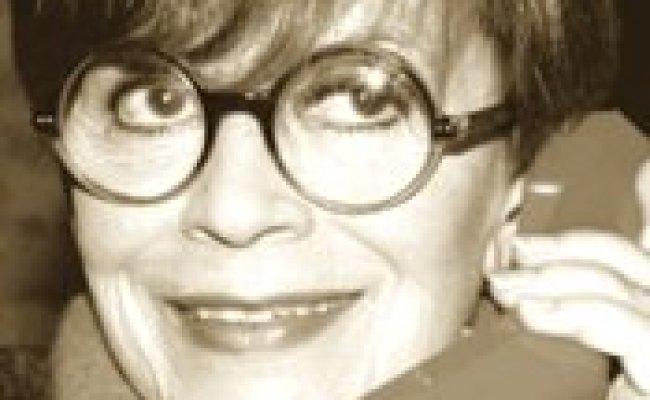 Mondo Futuro News Biografia Del Giorno Franca Valeri