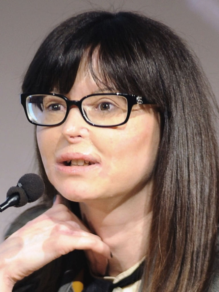 Lucia Annibali biografia