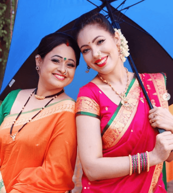 Munmun Dutta with coactress Sonalika Joshi