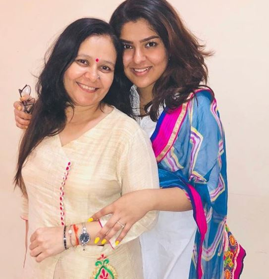 Niddhi with her Mom