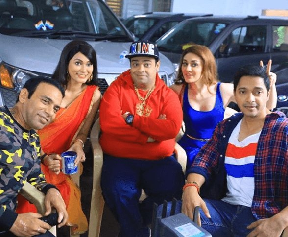 Kiku Sharda with Friends