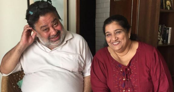 Manoj Pahwa with his Wife