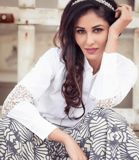 Pooja Chopra Looks