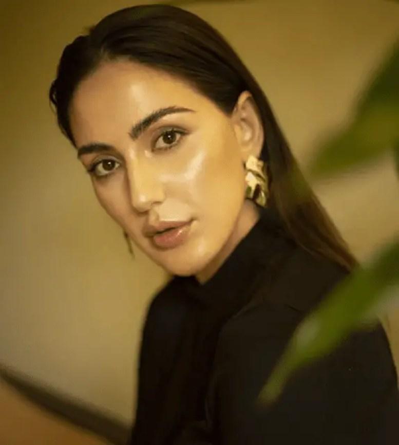 Farah Karimaee Hot Pic