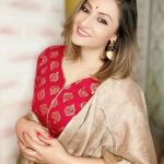 Urvashi Dholakia Biography, Age, Height, Weight, Family, Boyfriend or Husband & More