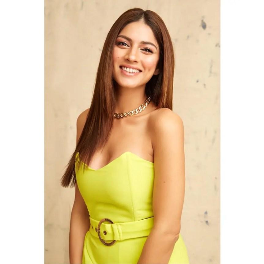 Sapna Pabbi Hot Pic