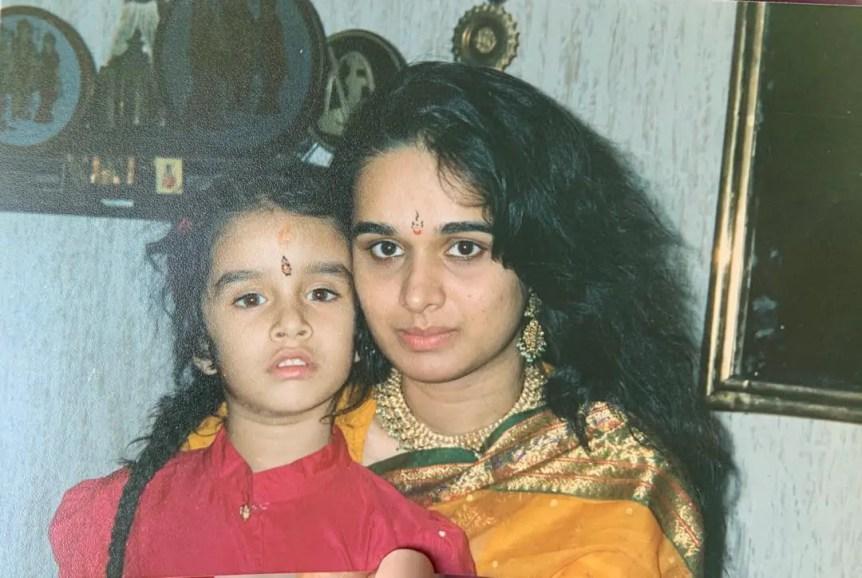 Shraddha Kapoor Mother