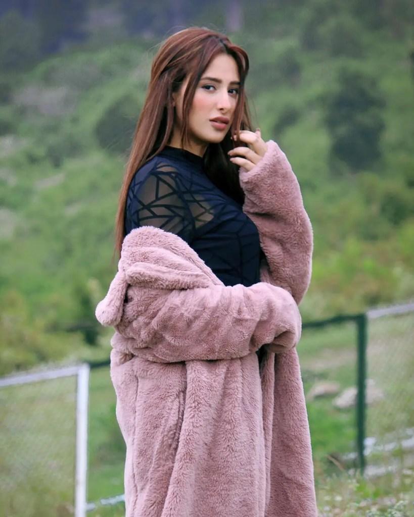 Mahira Sharma Pic
