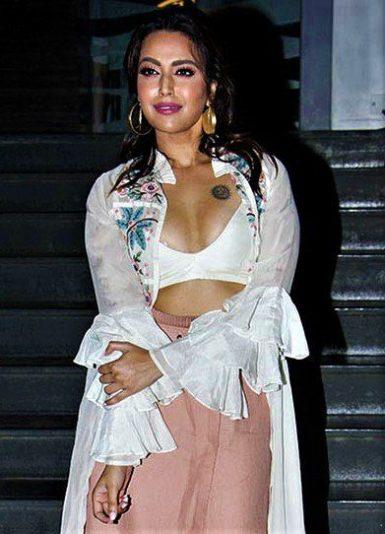 Swara Bhaskar hot