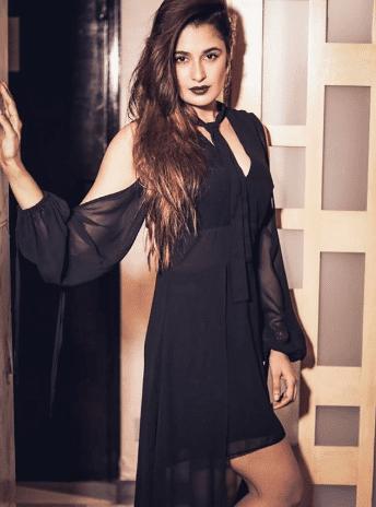 Yuvika Chaudhary hot