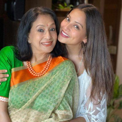 Bipasha Basu Age Height Husband Family Mom Biography