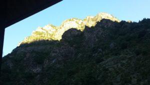 Sonnenaufgang über den Bergen von Andorra