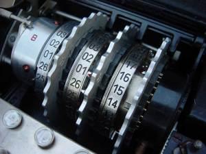 Des rotors de la machine Enigma. Crédits : pl.wikipedia.org