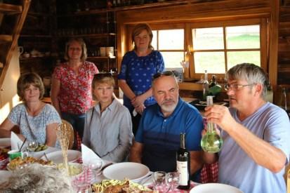 3 x Anna, Janka, Igor a Laco so zemezlcou