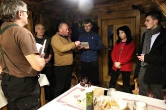Pri modlitbe v gazdovskom dome