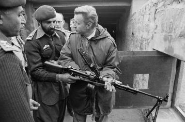Brzsesinski e o afegão que seria Bin Laden.
