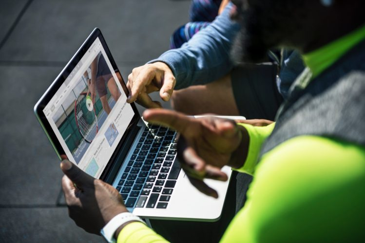 Getting technical support using a laptop