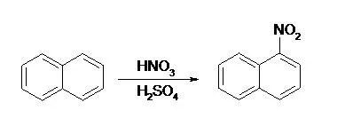 Równanie reakcji nitrowania naftalenu