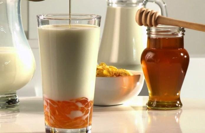 Top Benefits of Honey Milk Drink