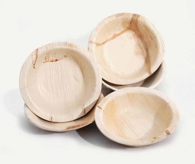 un report biobased materials plastics plates bowls leaves
