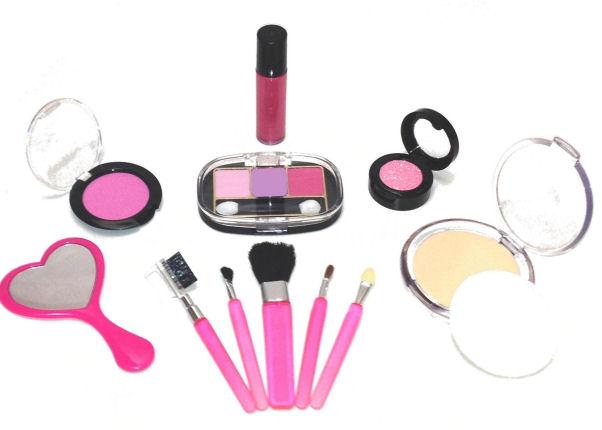 1.755 Faire disparaitre une trace de maquillage sur vos vêtements (2).jpg