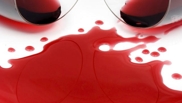 1.775 Enlever une tache de vin sur une nappe en coton ou polyester
