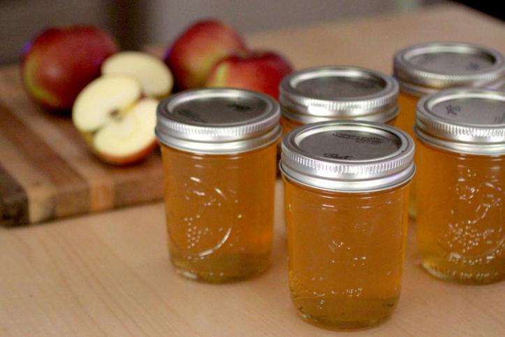 2.143 Recycler ses épluchures et trognons de pommes -recette