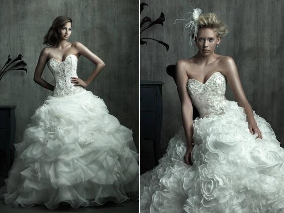 Vinnie's Blog: Ganesh Wearing Peacock Feather Crown It Can