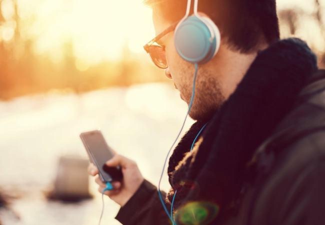 Fones de Ouvido Podem Causar Perda Auditiva e Zumbido
