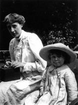 Virginia Woolf et son neveu Julian Bell, en 1910