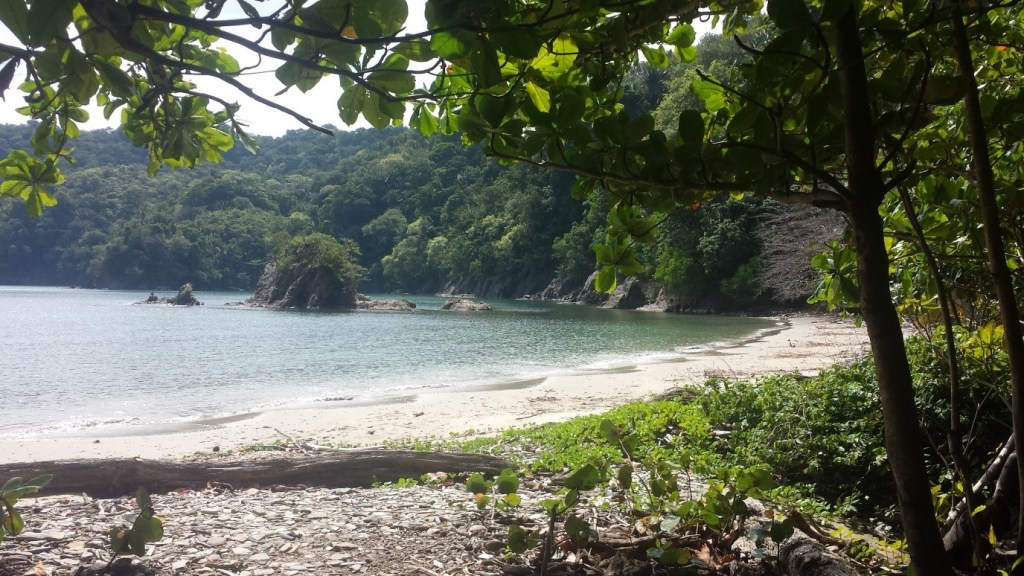 Pic 3: A real PIRATES COVE! I can easily see Black Pearl hiding here from the Commodore's ships...