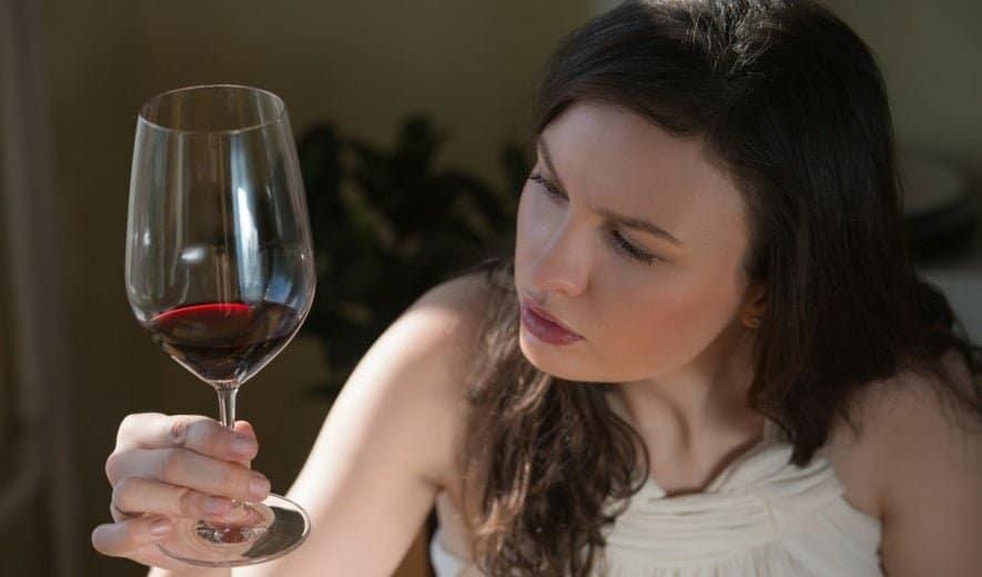 Efectos del alcohol sobre la piel