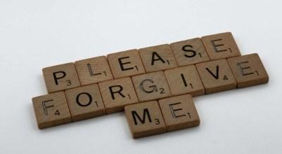 "I'm the I'm sorry girl, ""please forgive me"""