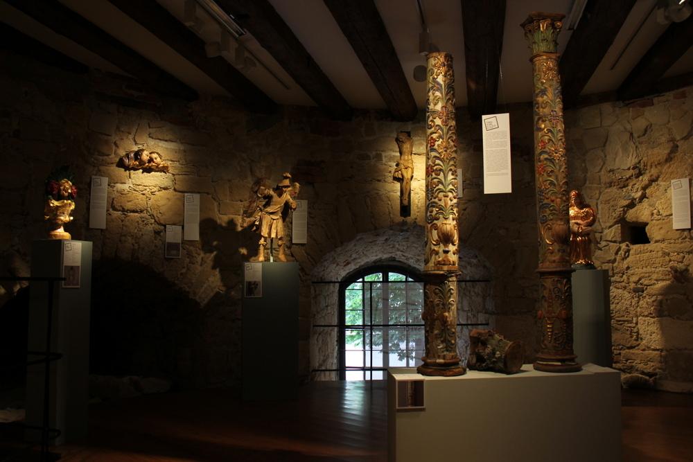 Oltarni stupovi, Mali Raven, župna crkva Presvetog Srca Isusova i sv. Ladislava kralja, XVII. st.