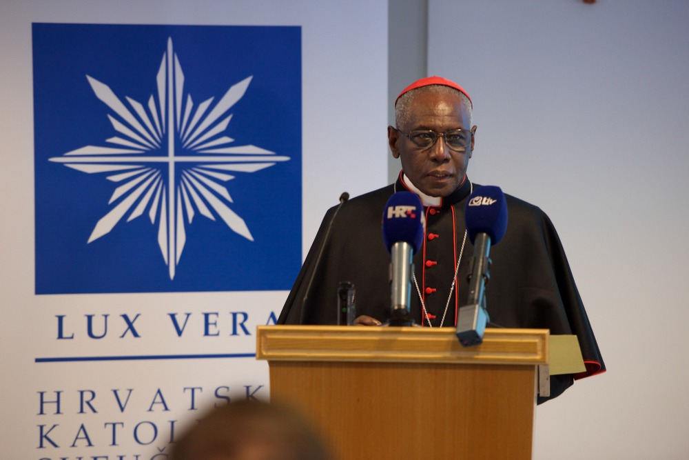 Kardinal Robert Sarah drži predavanje na Hrvatskom katoličkom sveučilištu. Foto Bernard Čović.