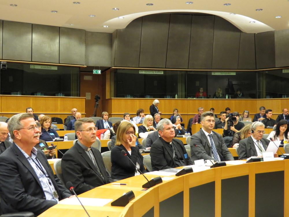 Izložbi i konferenciji su prisustvovali hrvatski europarlamentarci Ivana Maletić, Dubravka Šuica i Andrej Plenković .