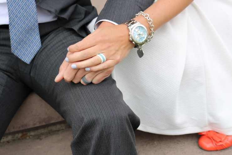 today i am teaming up with qalo wedding rings this collaboration could not have come at a more perfect time for my husband and i keep reading to find out - How To Wear Wedding Rings
