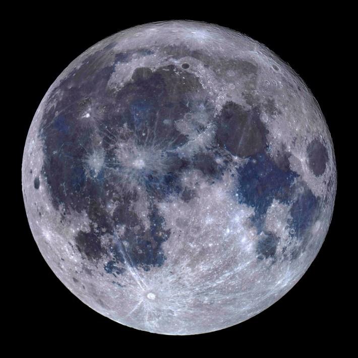 OM29130307950_A Titanium Moon © Miguel Claro