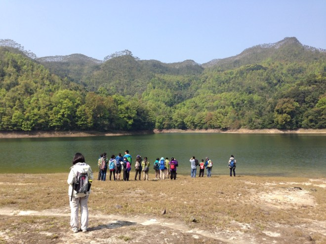 yinggeling reservoir with students