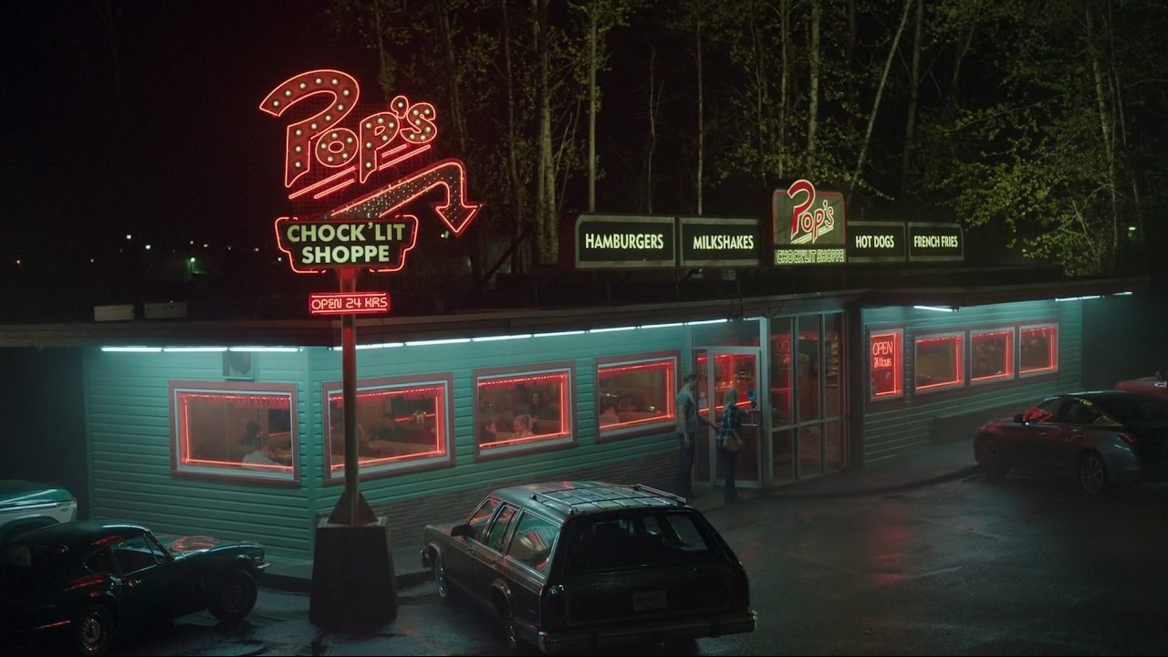Pop's-diner-Riverdale-teen-drama-recensione