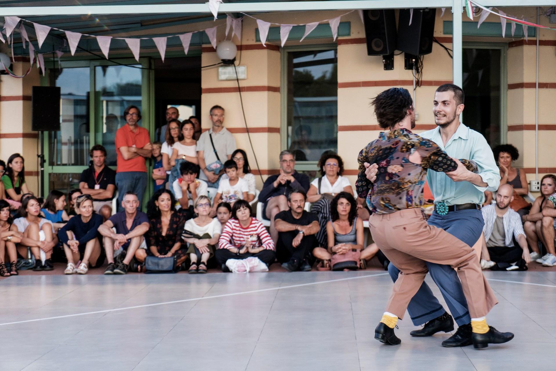 save-the-last-dance-for-me-alessandro-sciarroni-polka-chinata