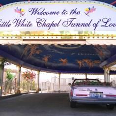 Little_white_chapel_drive_thru_2007