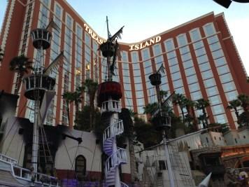 Treasure_Island_Las_Vegas_1_2013-06-24