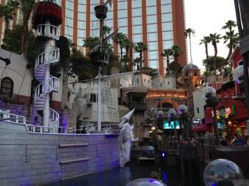 Treasure_Island_Las_Vegas_3_2013-06-24