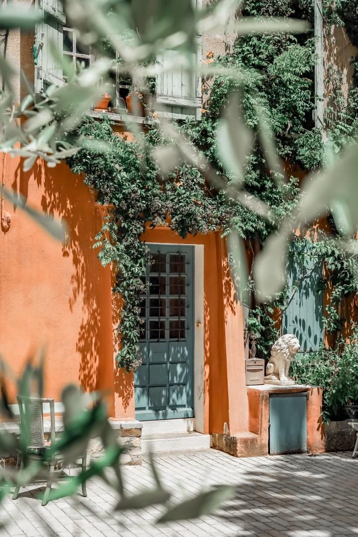 Balade à Cotignac en Provence verte !