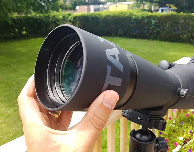 retractable lens hood