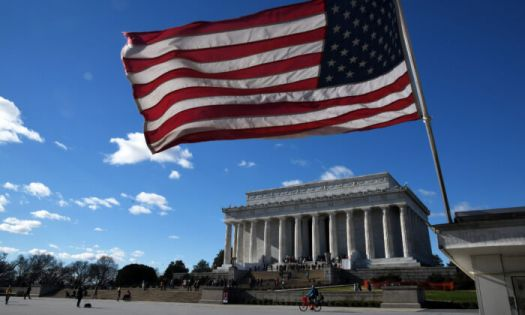 An American flag flies near the Lincoln Memorial on December 22, 2018. (Olivier Douliery/Getty Images)